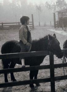 Daddy zu Pferd (ca. 7 Jahre alt)